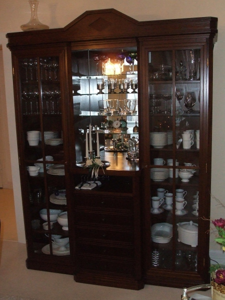 restauration von antiquit ten pearl moebel design. Black Bedroom Furniture Sets. Home Design Ideas